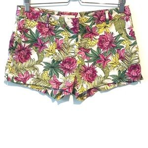 H&M | flowery shorts with pockets